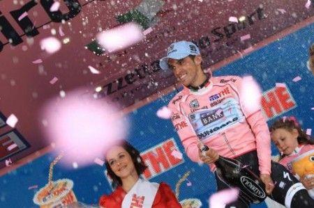 Alberto Contador fenomenale sull'Etna, tappa e maglia rosa
