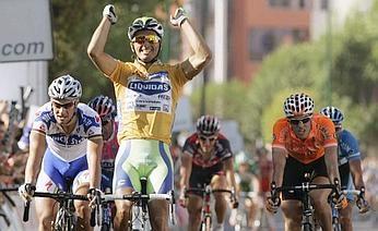 Daniele Bennati vince in maglia oro!