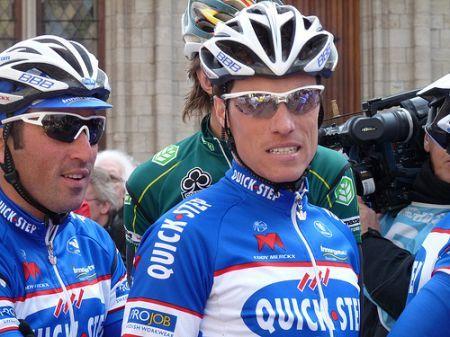 Tour de France 2010: ancora cadute, tappa e maglia a Chavanel