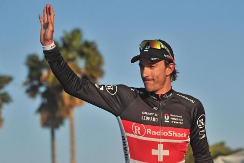 Fabian Cancellara cade al Giro delle Fiandre 2012: frattura alla clavicola per lui