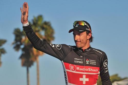 Fabian Cancellara cade al Giro delle Fiandre 2012: frattura alla clavicola per lui