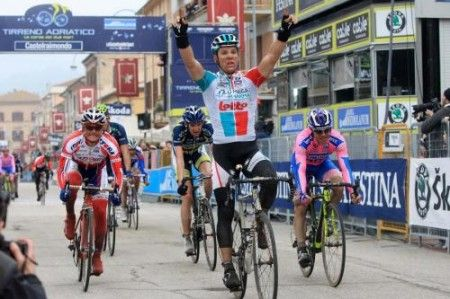 Tirreno Adriatico 2011: quinta tappa a Gilbert, Evans leader