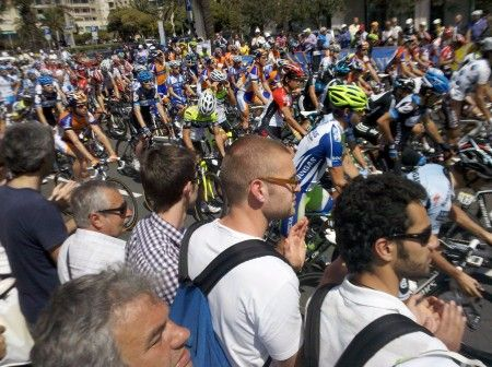 Giro 2011: un saluto a Weylandt lungo 216 km