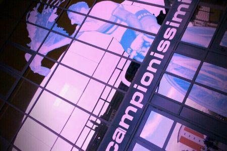 Vento colorato davanti al Museo dei Campionissimi
