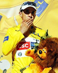 Carlos Sastre vince il Tour de France 2008. Schumacher la seconda crono