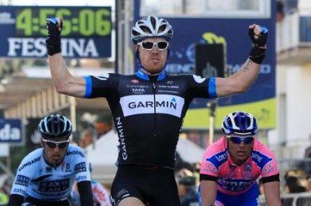 La prima volata del Tour de France 2011 incorona Farrar, nel ricordo di Weylandt