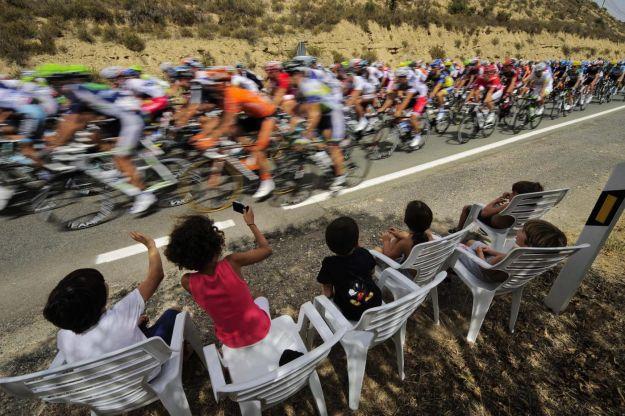 Vuelta di Spagna 2012: Sky attacca e affonda Valverde caduto