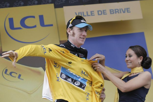 Bradley Wiggins doma la maxi-crono, come da previsioni
