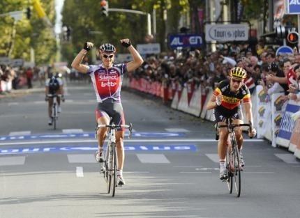 Parigi Tours 2009 arrivo