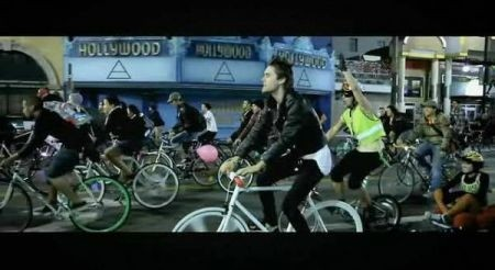 30 Seconds To Mars - Kings and Queens bici