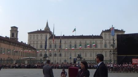 giro-2011-piazza-castello