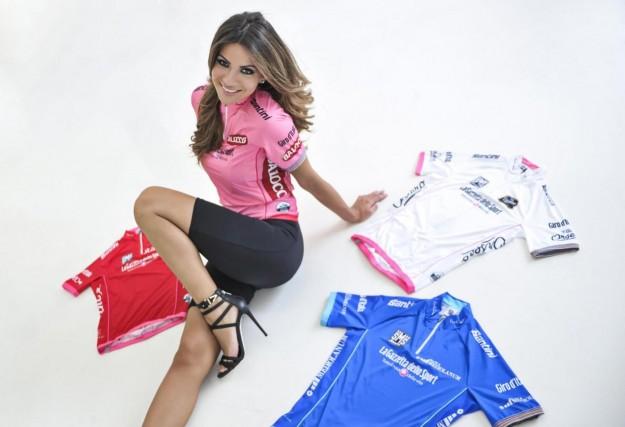Alessia Ventura madrina del Giro D'iTalia 2013 (8)