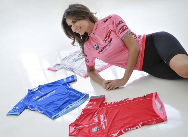 Alessia Ventura madrina del Giro D'iTalia 2013 (9)