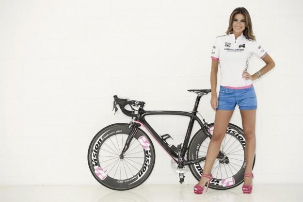 Alessia Ventura madrina del Giro D'iTalia 2013 (11)