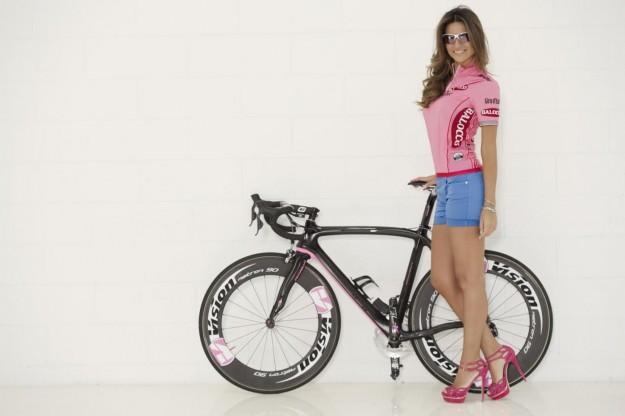 Alessia Ventura madrina del Giro D'iTalia 2013 (12)