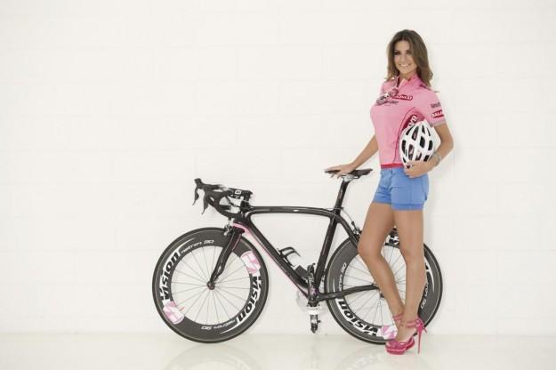 Alessia Ventura madrina del Giro D'iTalia 2013 (14)