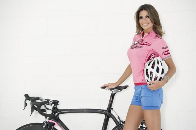 Alessia Ventura madrina del Giro D'iTalia 2013 (15)