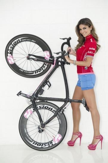 Alessia Ventura madrina del Giro D'iTalia 2013 (16)