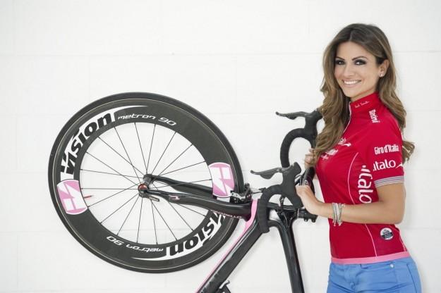 Alessia Ventura madrina del Giro D'iTalia 2013 (17)