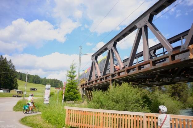 Passaggio treno sul ponte