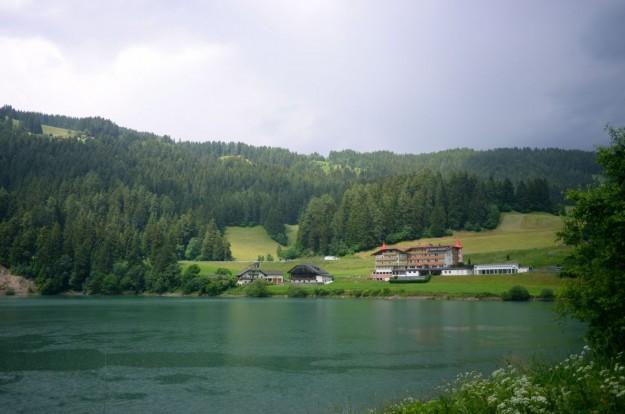 Schiarita sul lago