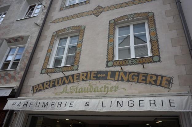 Profumeria e Lingerie