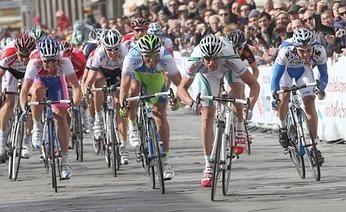 Giro di Sardegna 2009 a Bennati. Ginanni cresce