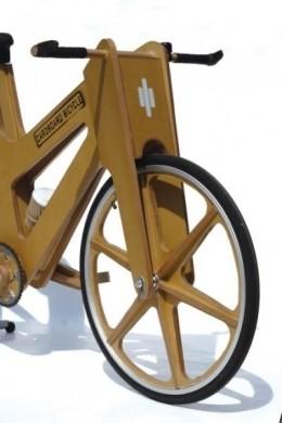Bicicletta di cartone